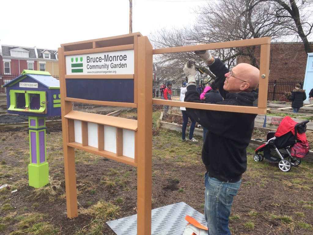 Steve Fixing Sign